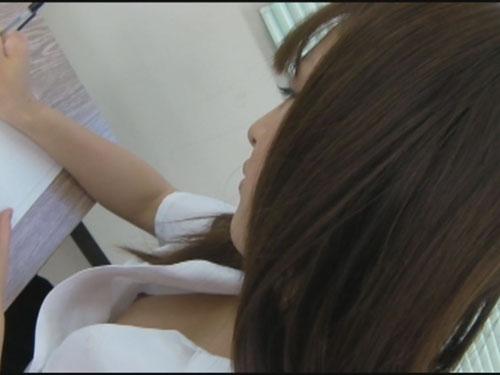 女子校生 生胸チラモロ乳首2