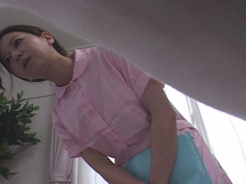 看護士パンティー仰天逆さ撮り盗撮