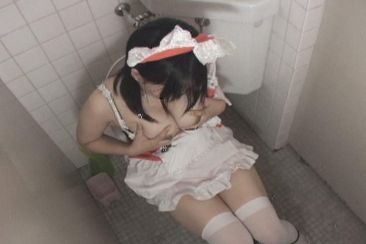 超萌え萌えメイドのトイレ指オナニー盗撮3 9