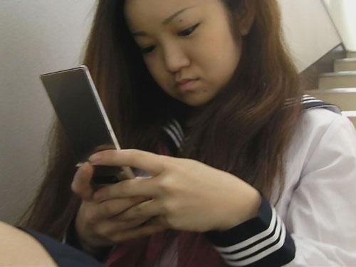 ちょいエロおやじの女子校生階段パンチラ投稿 3