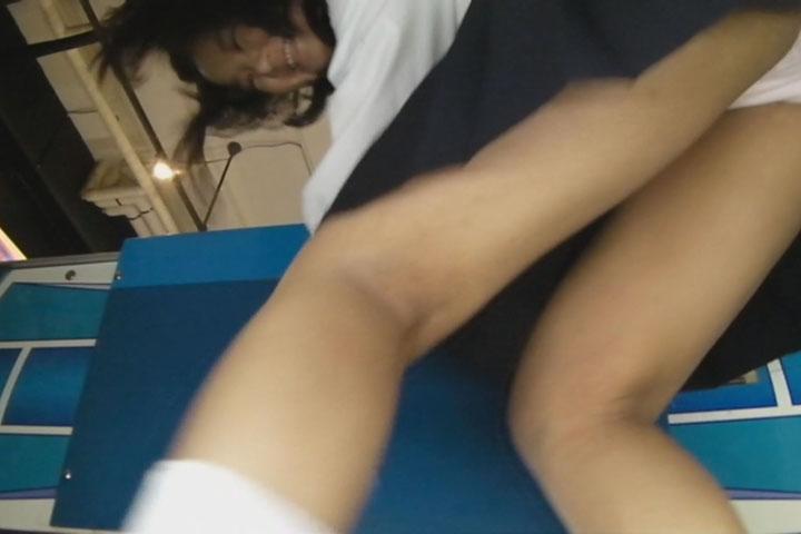 女子校生エアホッケーパンチラ逆さ撮り 2 9
