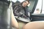 タクシー車内で油断して大股広げている女性客パンチラ狙い撃ち盗撮 2 5